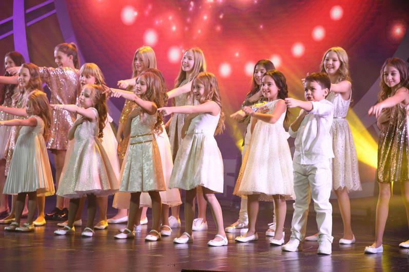 Гала-концерт в Казани стал презентацией всего культурно-благотворительного проекта «Добрая волна» - уже в новогодние каникулы увидеть концерт смогут тысячи зрителей федерального телеканала «НТВ».