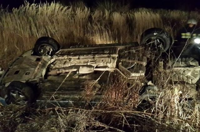 На трассах Саратовской области задень опрокинулись три автомобиля