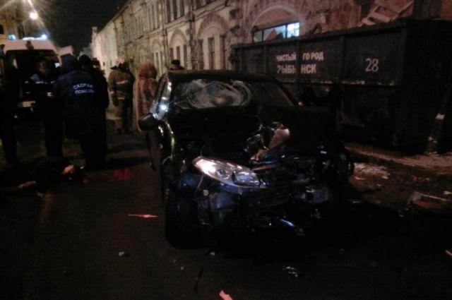 ВДТП наВолжской набережной вРыбинске умер мотоциклист