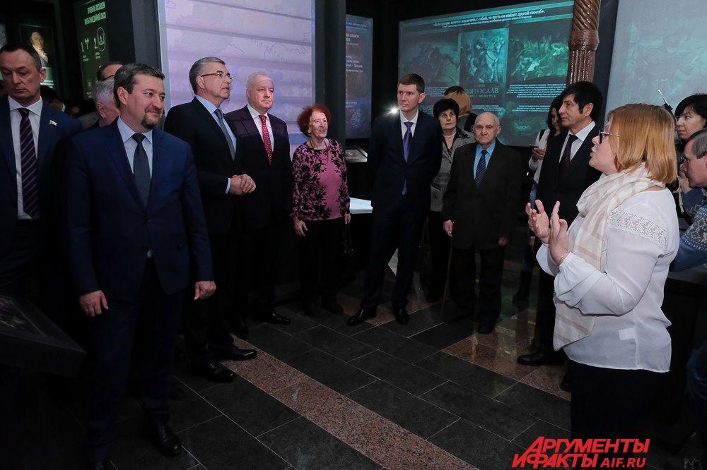 На тестовом открытии мультимедийной выставки присутствовали первые лица города.