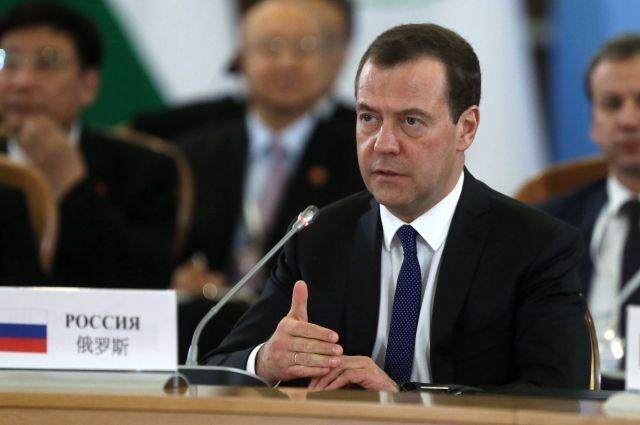 Страны используют санкции для получения конкурентных преимуществ— Медведев