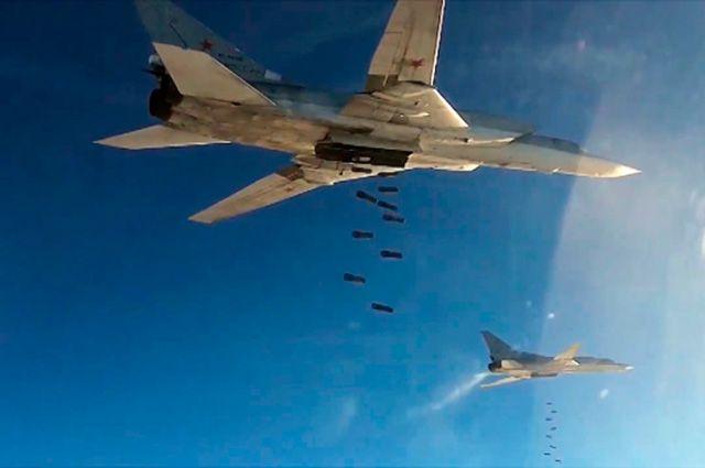 Сирийская армия показала оружие, захваченное убоевиковИГ