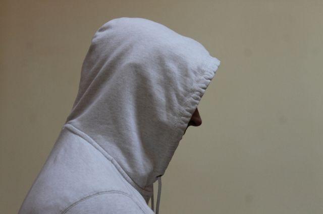 В Тюмени задержали уличного грабителя: его подозревают в серии преступлений