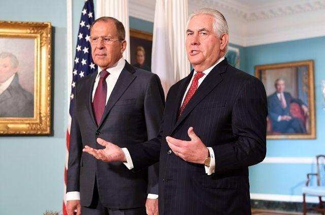Сергей Лавров (слева) и Рекс Тиллерсон