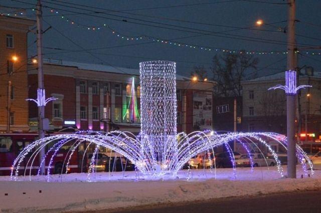 Светодиодная конструкция на площади Октября в Барнауле
