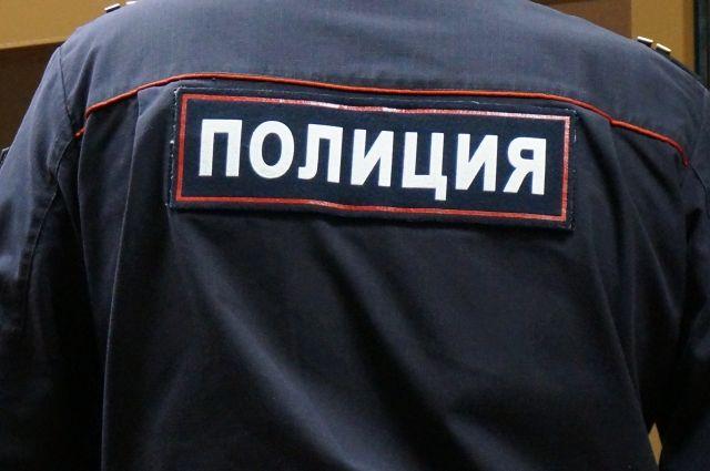 Сотрудники полиции изъяли контрафактную продукцию.