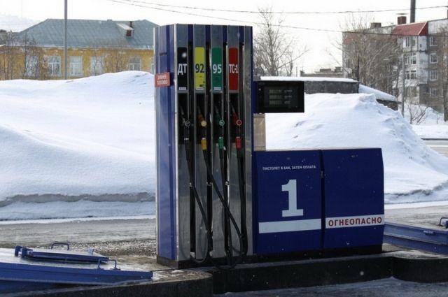 На автозаправках Калининградской области дорожает бензин.