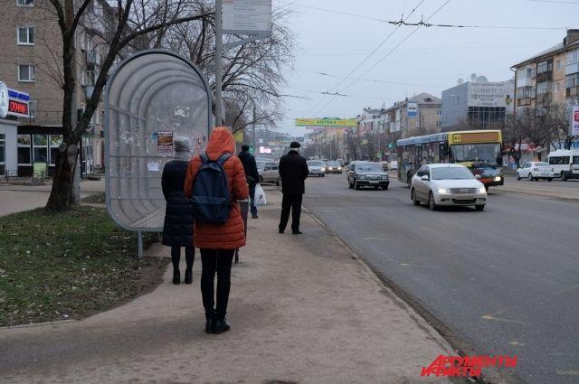 Каждый день в областном центре на линию выходит более тысячи автобусов