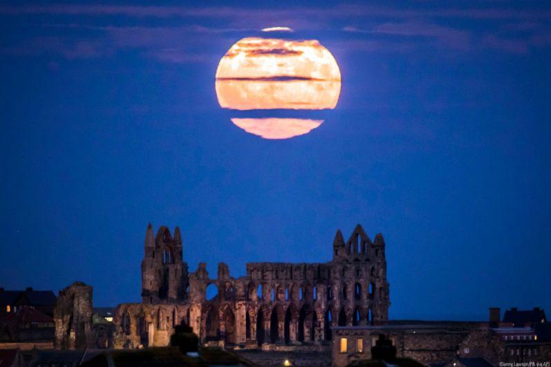 В 2016 году земляне увидели самую большую за 70 лет Луну. Тогда Луна находилась в максимально близкой к Земле точке с 1948 года.