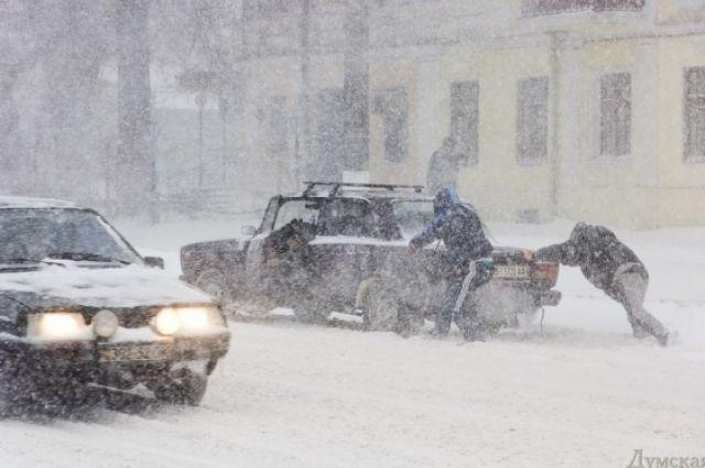 Снегопад на Закарпатье: на трассе Киев-Чоп ограничили движение транспорта