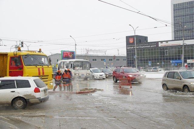 Городская дорожная инспекция выехала на место происшествия.