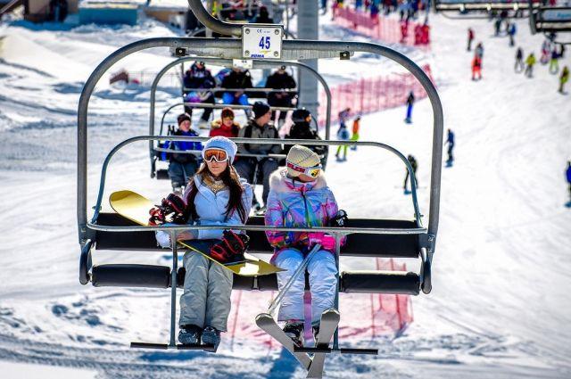 Зимой многие россияне предпочитают отдыхать в горах Северного Кавказа.