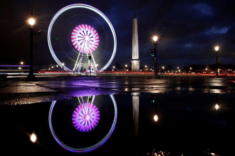 Гигантское колесо обозрения, Париж, Франция.