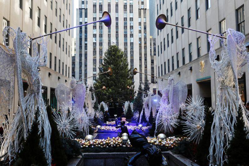 Рождественская елка у Рокфеллер-центра, Нью-Йорк.