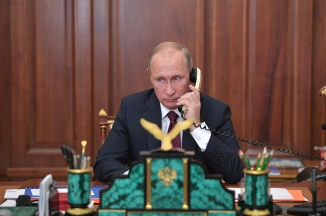 Путин провел телефонные переговоры сНазарбаевым