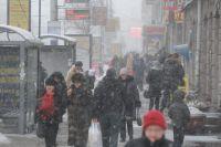 Из-за снега омичи встали в километровые пробки.