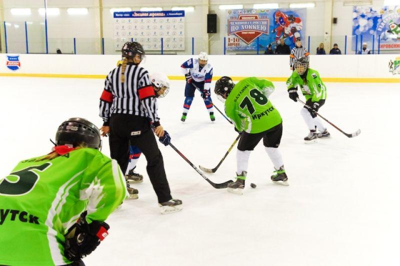 В дивизионе «Амазонки» (18+) заявлена 21 команда, в дивизионе «Олимпийские надежды» (14+) – 8 команд. Всего в турнире примут участие более 500 хоккеисток.