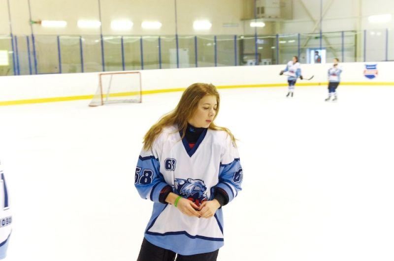 И все-таки главное в женском хоккее - это красота и изящество!