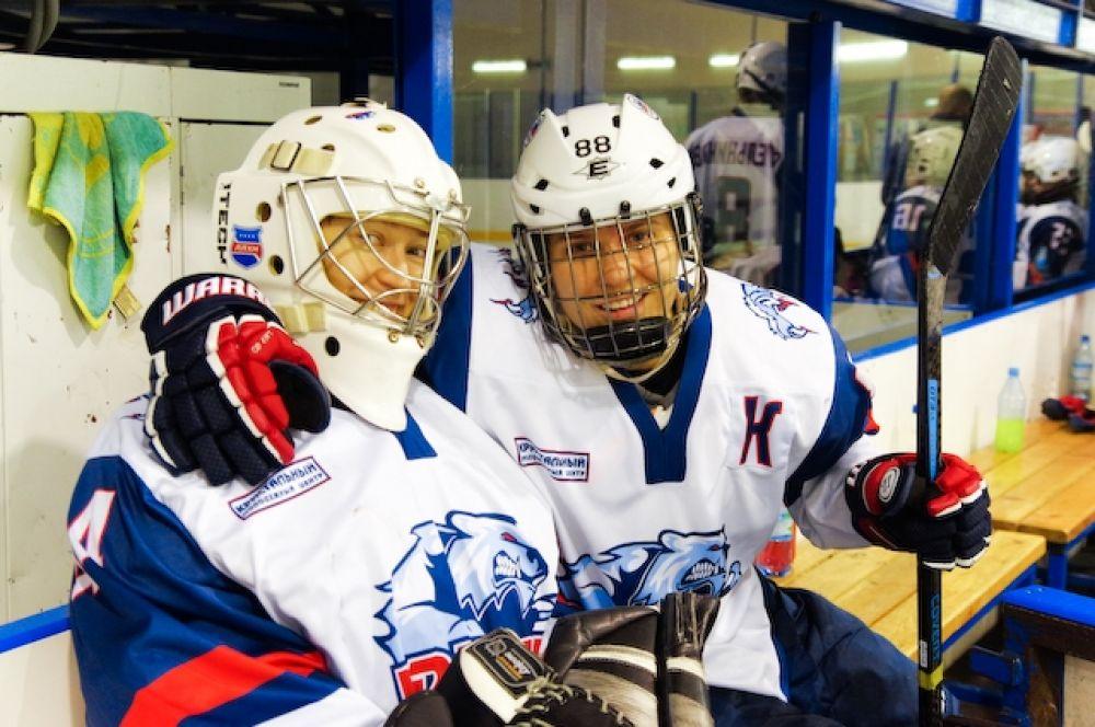 Девушки утверждают, что несмотря на суровую спортивную борьбу, между ними царит дружба.