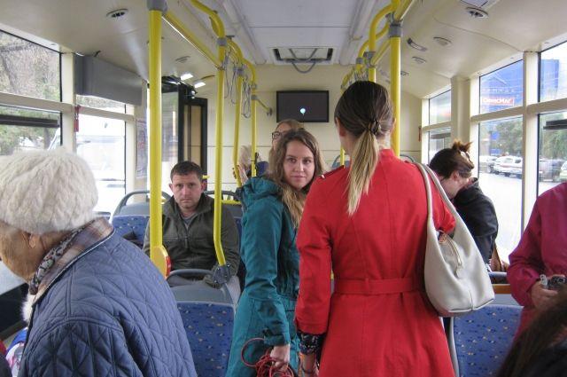 Пассажиры не довольны планами сокращения маршрутов и отдельных автобусов.