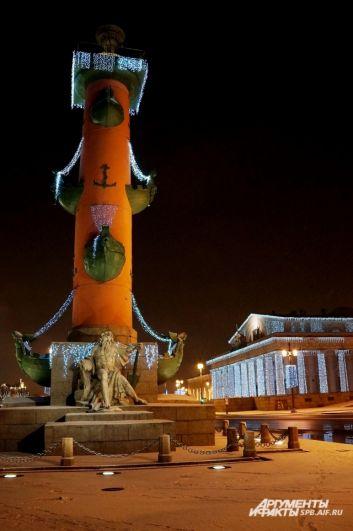 Для города приготовили более 7 тысяч новогодних украшений.