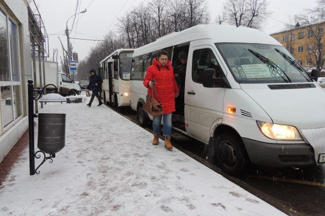 Все перевозчики поднимают тариф до 26 рублей.