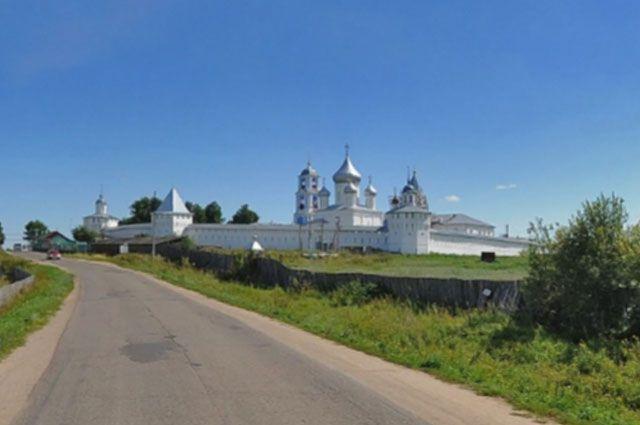 Территория близ Никитского монастыря является зоной влияния памятника федерального значения.
