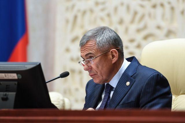 Рустам Минниханов берет под собственный  контроль расходы глав районов иихсемей