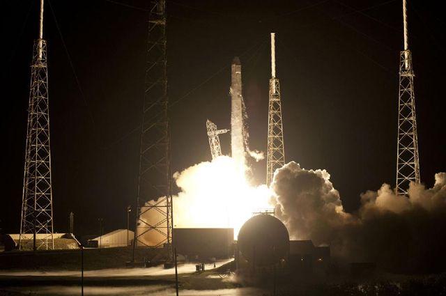 Фургон Dragon стартует всторону МКС не ранее 12декабря