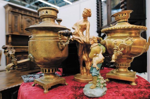 Свои коллекции представят те, кто по-настоящему заинтересован и разбирается в антиквариате.