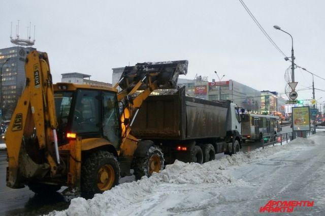 Сулиц Казани засутки вывезли неменее 10 тыс. тонн снега