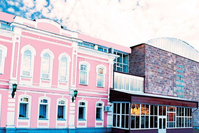 2 июля 1968 года по приказу Министерства электронной промышленности СССР в городе Болхов Орловской области был организован филиал при научно-исследовательском институте «Сапфир».
