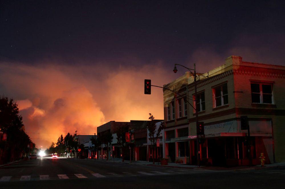 Центр города Санта Пола, в домах нет электричества.