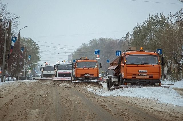 Смоленск: Мэр города поручил занеделю оборудовать всю снегоуборочную технику системой ГЛОНАСС