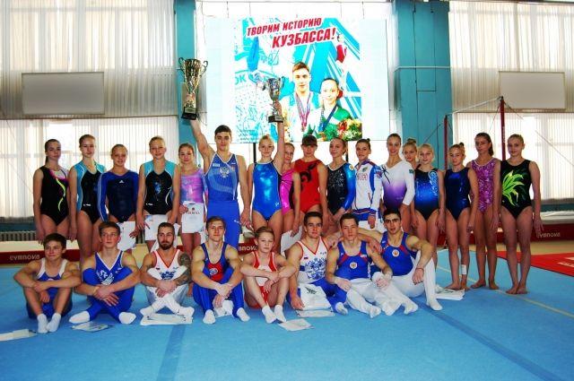 Турнир на призы губернатора Кемеровской области проходил в региональном центре спортивной подготовки по спортивной гимнастике.
