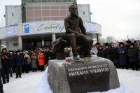 Памятник в Таре - это Михаил Ульянов по духу и характеру.