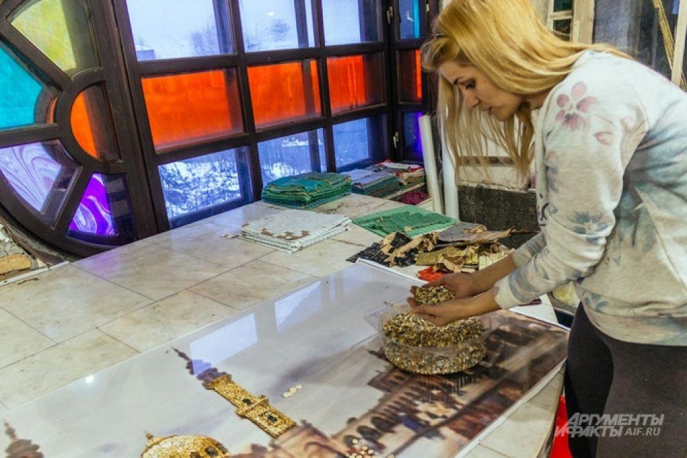 В Храме всех религий начинают проводить мастер-классы по созданию мозаики.