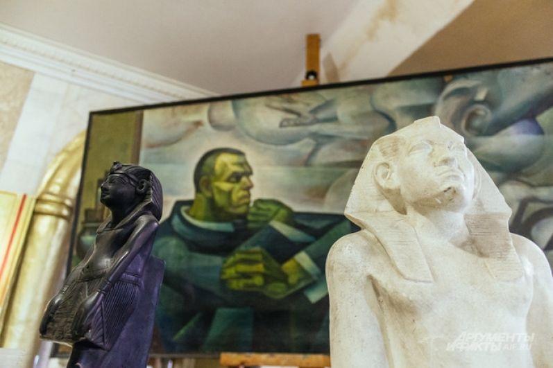 Автопортрет 25-летнего Ильдара Ханова по стилю напоминает полотна Врубеля.