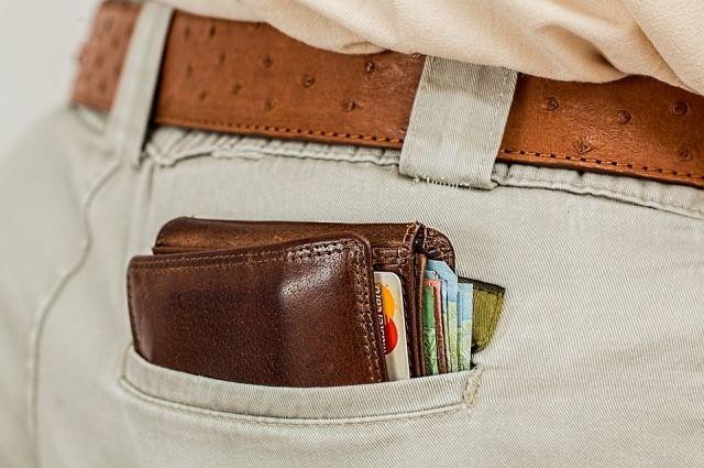 Невнимательный туляк «отдал» вору кошелек скредитками иналичными