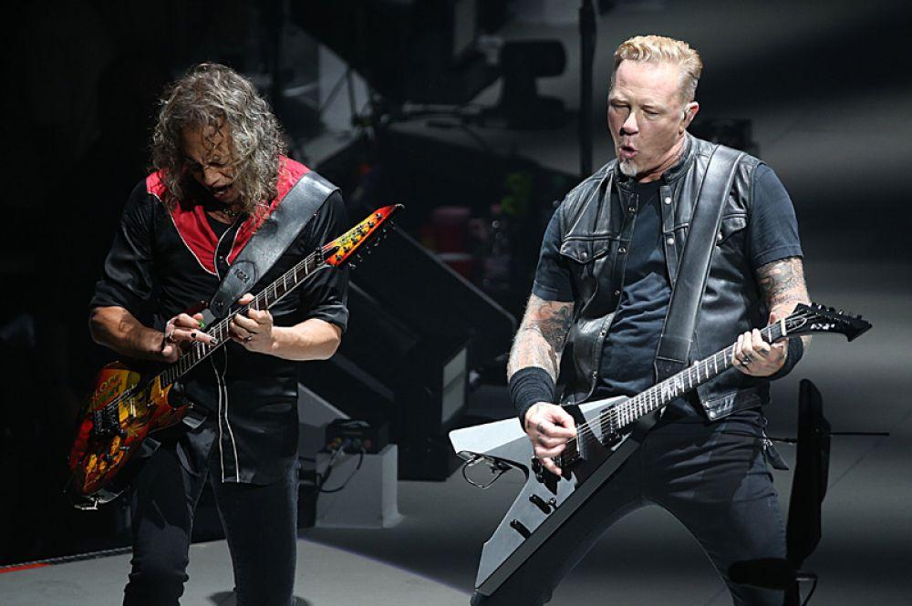 Открывает десятку наиболее высокооплачиваемых музыкантов легендарная рок-группа Metallica, их доход составил 66,5 миллионов долларов.