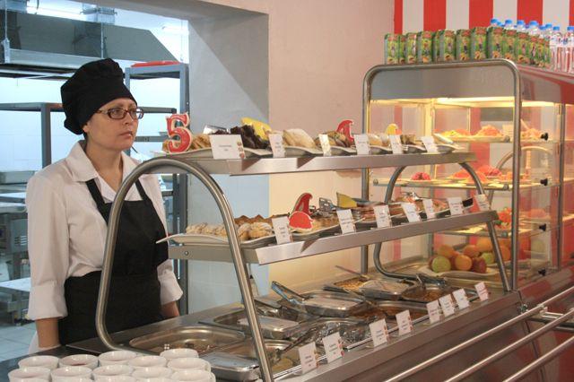В омской гимназии обнаружили больных поваров