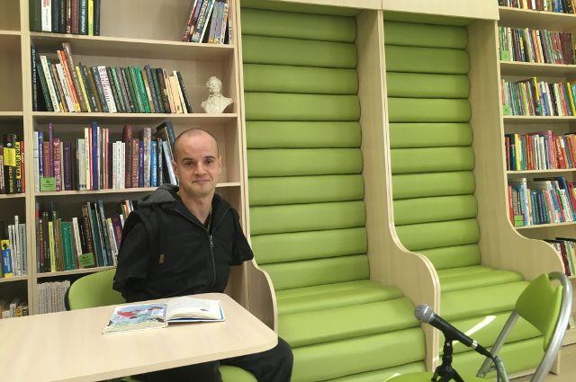К участию в акции «Читаем вместе» пригласили паралимпийского чемпиона