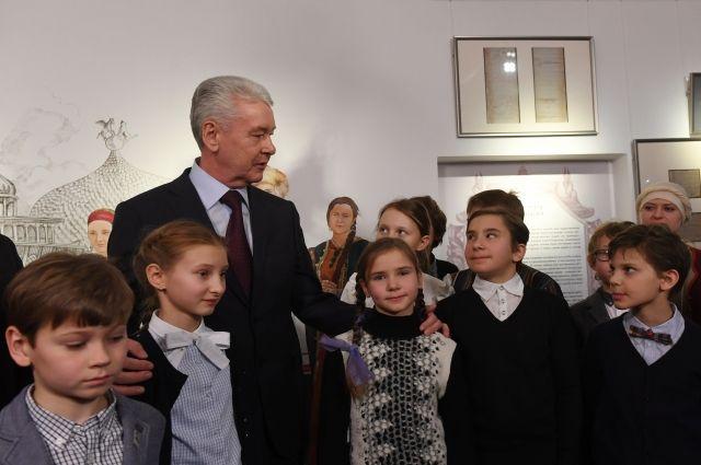 Собянин поздравил столичных школьников с удачным тестированием PIRLS