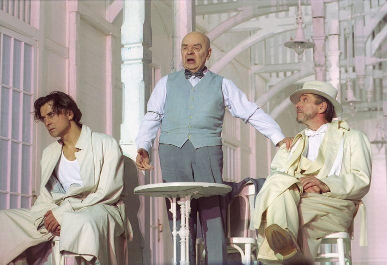 Александр Лазарев, Леонид Броневой и Александр Абдулов в спектакле «Плач палача». 2007 г.