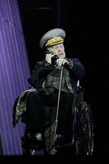 Леонид Броневой в спектакле «День опричника». 2016 г.