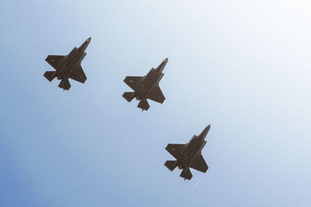 Израильские военные атаковали 4 цели ХАМАС всекторе Газа