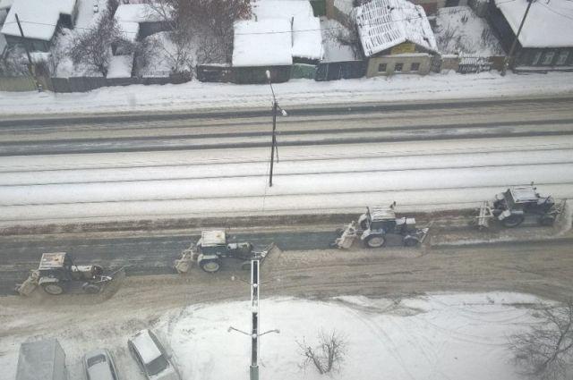 «Все под контролем!»— снег сдорог Челябинска убирают неменее 150 единиц техники