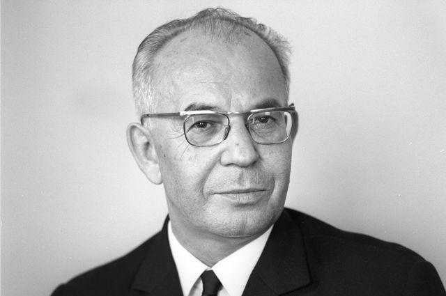 Густав Гусак.