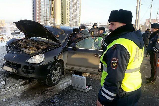 Водитель Porsche Cayenne скрылся с места ДТП.