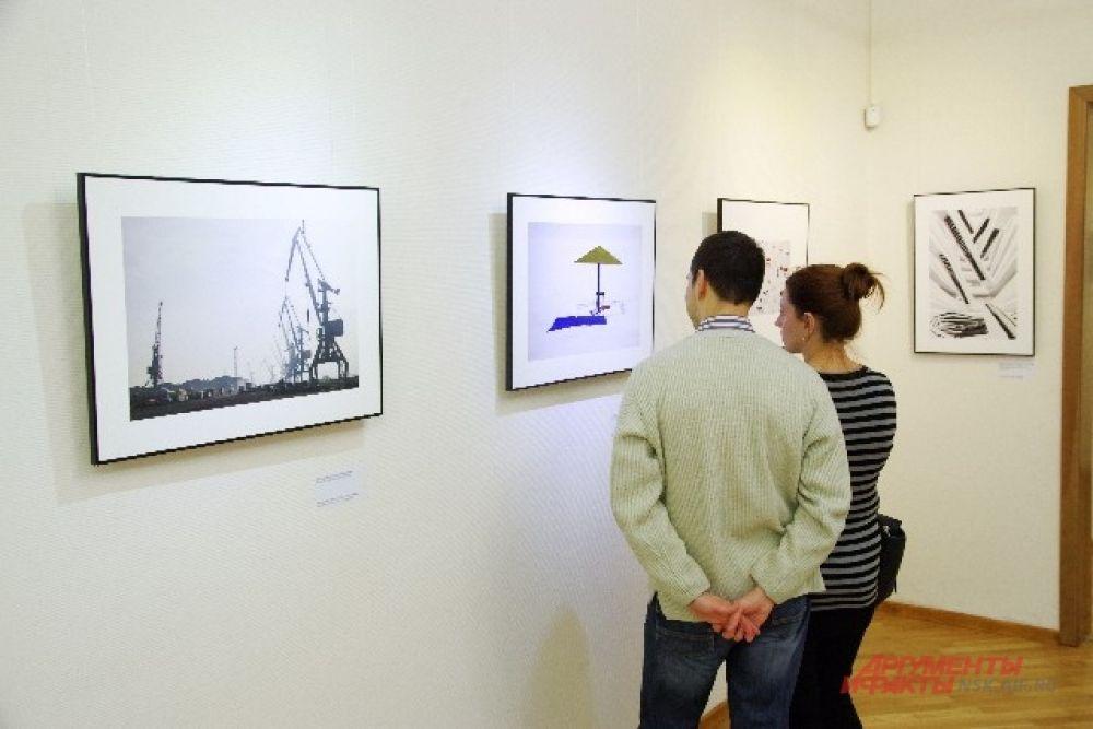 В просторных залах Центра современного искусства новосибирцы могут узнать о жизни в России посредством фотографий.